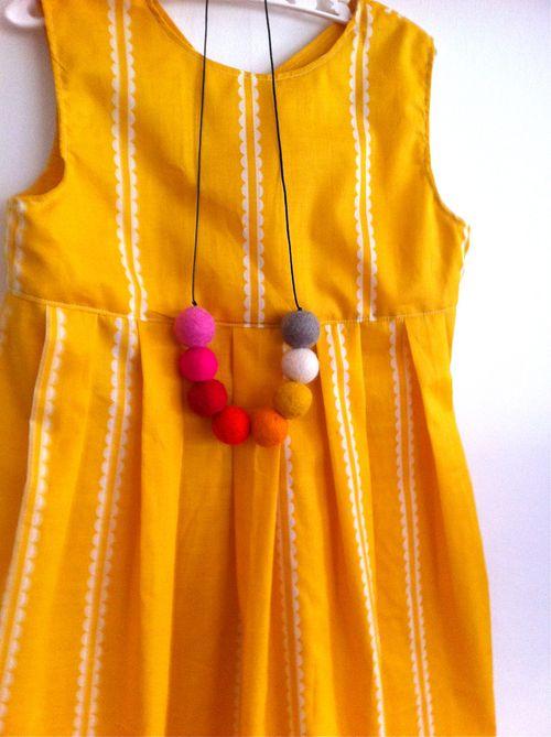 Fan dress1