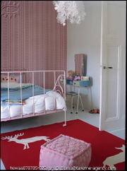 Pink_iron_bed