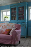 Turquoise_armoire